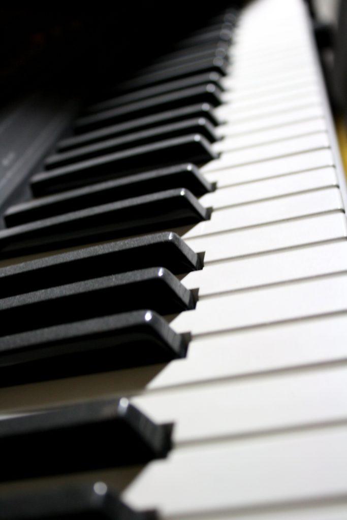 electronic_piano_keyboard
